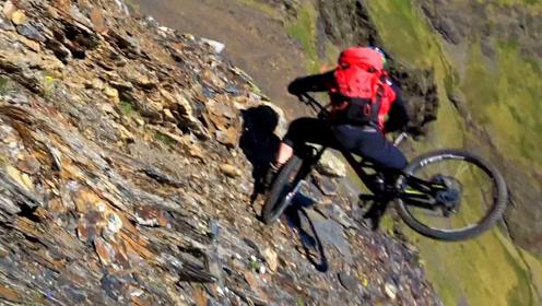 男子高山玩极限运动发生意外 最后自行车成了他的替死鬼