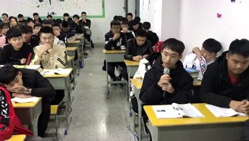 班上最低调的男生被点名唱歌,一开口准备看笑话的同学笑不出来了!