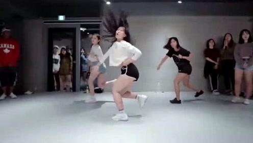女生跳舞就是这么帅系列!美女《Light It Up》时尚舞蹈