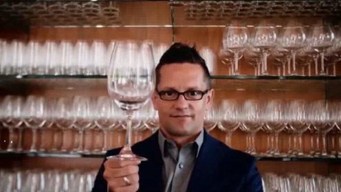 大哥喝水像品酒,一口分辨产地和成分,年薪数百万