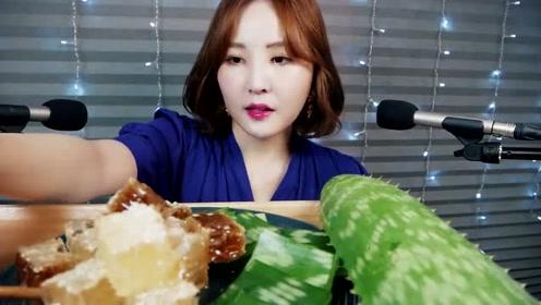 韩国美女吃播生芦荟,一口吃不下竟然还会拉丝!