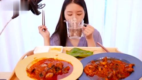 韩国吃播:吃辣八爪鱼包菜叶,一口接着一口,有这么好吃吗
