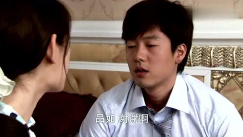 大姐误以为洪世贤在欺负品如,上去直接给了洪世贤一拳头!