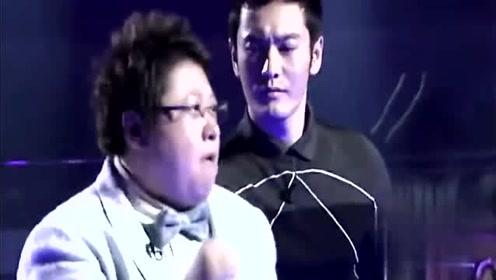 韩红、黄晓明同台尬舞,没想到胖胖的韩红扭臀这么好看