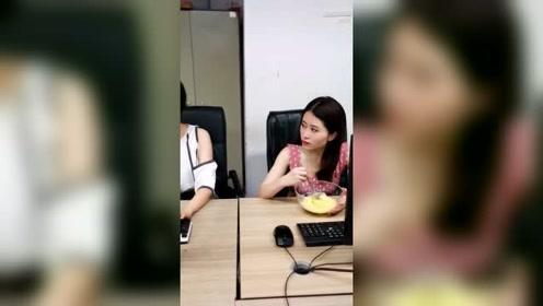 办公室小野:吃榴莲味太大?吃货要学会这招,办公室放肆的吃!