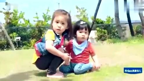 帮贾妈照顾波妞的咘咘,故意把手指塞给波妞咬的她,好可爱的孩子!