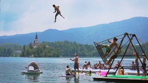 池塘上玩这个真有意思,女粉丝全部鼓掌,最后一个动作瞬间高能