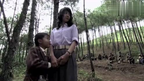 小伙娶落难女人,找家伙砍树造棺材,拿糖哄小孩不料反被骂
