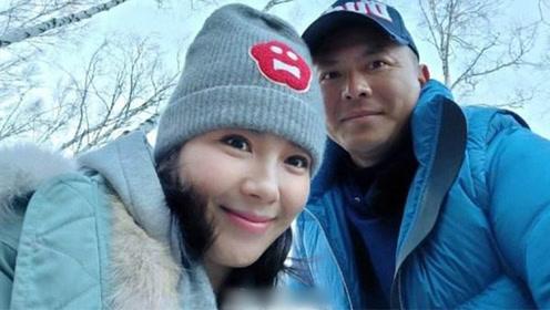 刘涛负责赚钱养家 王珂驾600万劳斯莱斯探班老婆