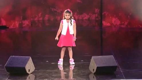 华裔9岁女孩的嗓音,这声音太好听了,动人的旋律