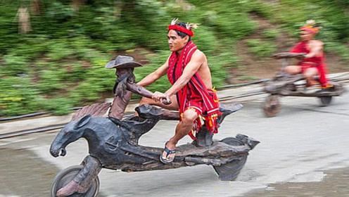 老外制作木头摩托车,不烧油也不费电,每小时能跑50公里!
