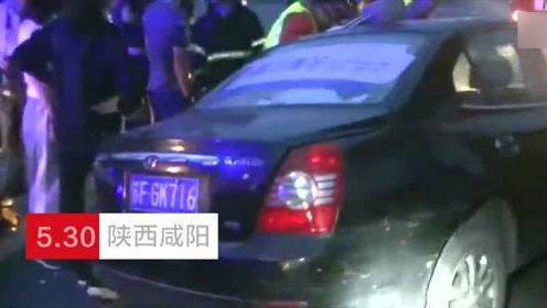 """两轿车""""争斗""""发生相撞 司机被困消防紧急救援"""