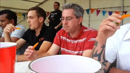 为什么在吃辣椒的比赛现场,主办方都会在旁边放一杯牛奶呢?