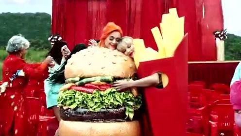 霉霉新单MV水果姐惊喜出镜 两人汉堡薯条搞怪造型和解拥抱