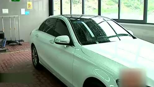 女子花37万刚买的奔驰车,第二天车子就挂不上档?