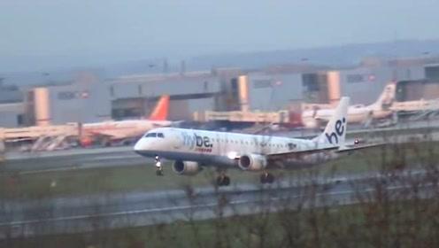 飞机将要降落的时候,速度是很快的,那么它是如何刹车的呢?