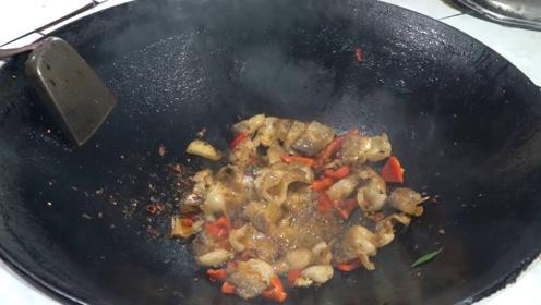 做回锅肉先炒肉,还是先炒豆瓣酱?厨师长说:一步错步步错