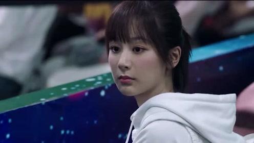 韩商言获得电竞世界冠军,佟年主动献吻,最终当众人的面向她告白