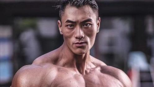 中国健体巨兽李鸿潇,颜值与实力并存!肌肉块头暴击欧美巨无霸