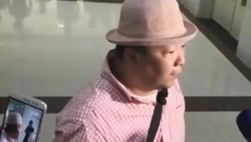 任达华被刺伤手术完成露出笑容,助手接受采访:情况稳定