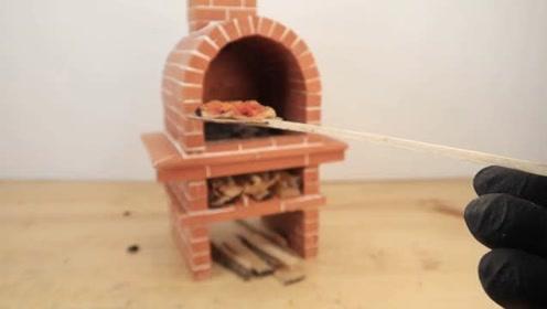 微型化:用迷你砖搭建一个微型比萨烤箱,并做了一个迷你披萨