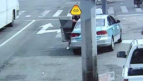 男子因车费纠纷,殴打出租车女司机并捶碎车玻璃