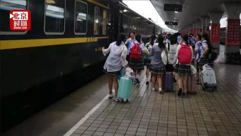 39名乘客列车上食物中毒   中国铁路:公安已介入调查