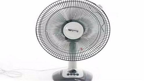 夏天电风扇越吹越热?只需用2个塑料瓶,房间凉快的像空调一样