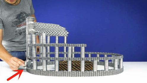小伙耗时20个小时,用5000枚硬币搭建模型,我真是服了
