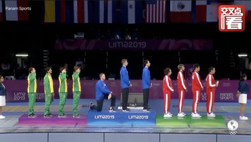 美国冠军领奖台上突然下跪抗议:社会问题太多,让我自豪不起来!