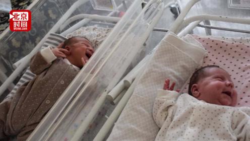 时隔俩半月先后产下一女一男!哈萨克斯坦女子创五千万分之一奇迹