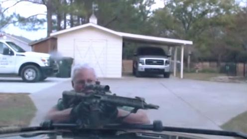 美国警察枪战退伍老兵,业余和专业的差别,谁会赢?