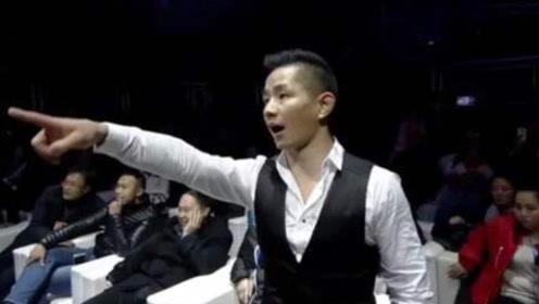 杨建平当裁判被挑衅,日本选手一口水喷脸,暴怒上台飞踢,真过瘾