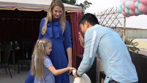 俄罗斯女子远嫁中国,3年之后回娘家,家人看到之后:你是哪位?