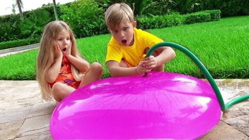 爸爸监督兄妹写作业,打个电话的功夫,小家伙就跑去玩水气球了!
