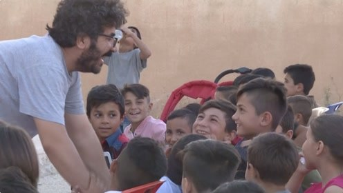 感受无法触及的艺术 流动影院让叙利亚儿童领略电影魅力