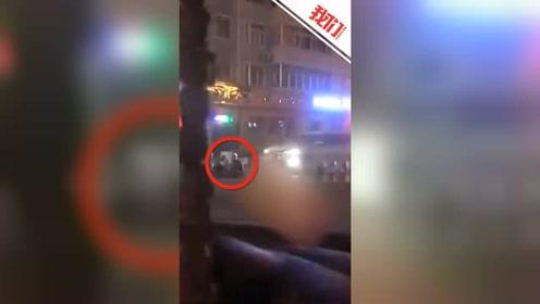 山西怀仁俩醉汉深夜在马路中坐谈被撞飞 交警:其中一人死亡