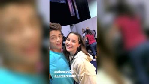 配一脸,《雷霆沙赞!》演员亚瑟·安其和女友安妮勒布朗同框