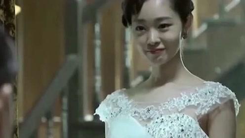 她最新旗袍造型,依旧是娇媚清纯典雅!