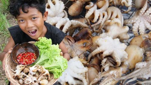 田园美食:农村小伙吃墨鱼,吃一半丢一半这是家里有矿吗