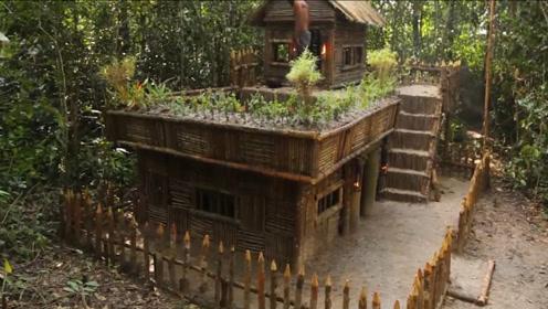 大叔建造屋顶的小泳池,真是太方便了,每个人都想拥有一个吧