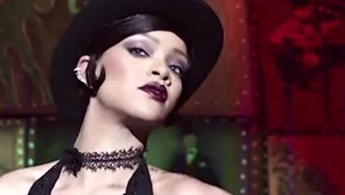 一切为美妆!黎超模Rihanna登香港《Vogue》九月封面