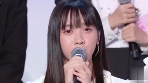 回顾十四进九总决赛现场,吉杨柳一首歌把大家从悲伤中带出来!