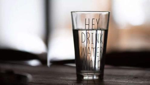 睡觉前喝水会导致水肿吗?真正原因是吃多了它