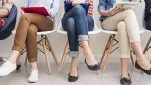 跷二郎腿会带来哪些危害,长期翘二郎腿的人腿会变成什么样子