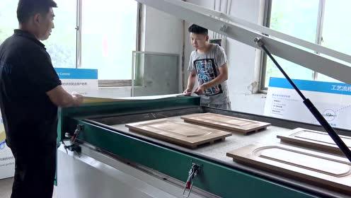 【蓝象数控】板式家具生产线-覆膜机操作实拍