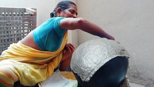 印度小贩用抹布烙饼,3秒就能出锅,一次就可以吃上百张