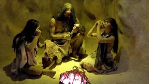 考古专家闯入无名洞穴,发现数万年前的人类,专家感到诡异!