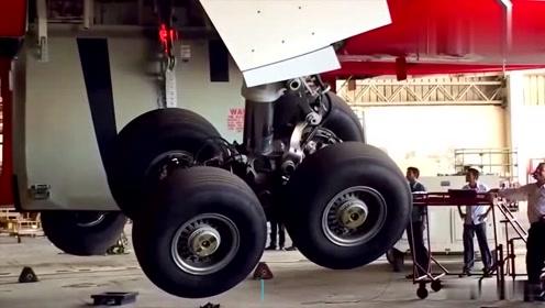 实拍飞机起落架的工作原理,看完解开了我多年的疑惑!
