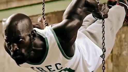 不进健身房单靠一根单杠,依然练出强悍肌肉,街头极限健身之王